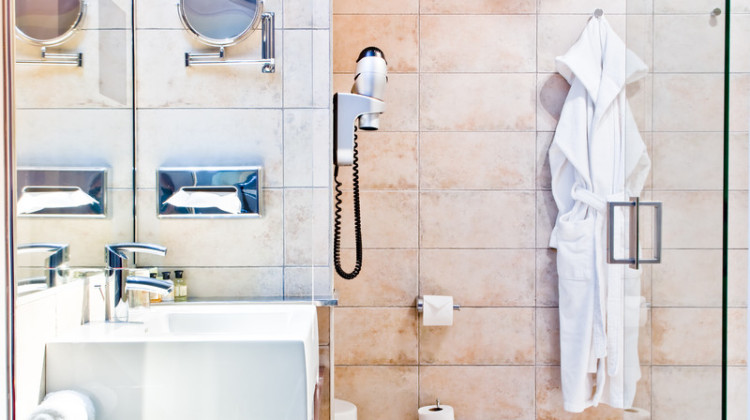 Bathroom Bling + A Morning Routine For Lovers